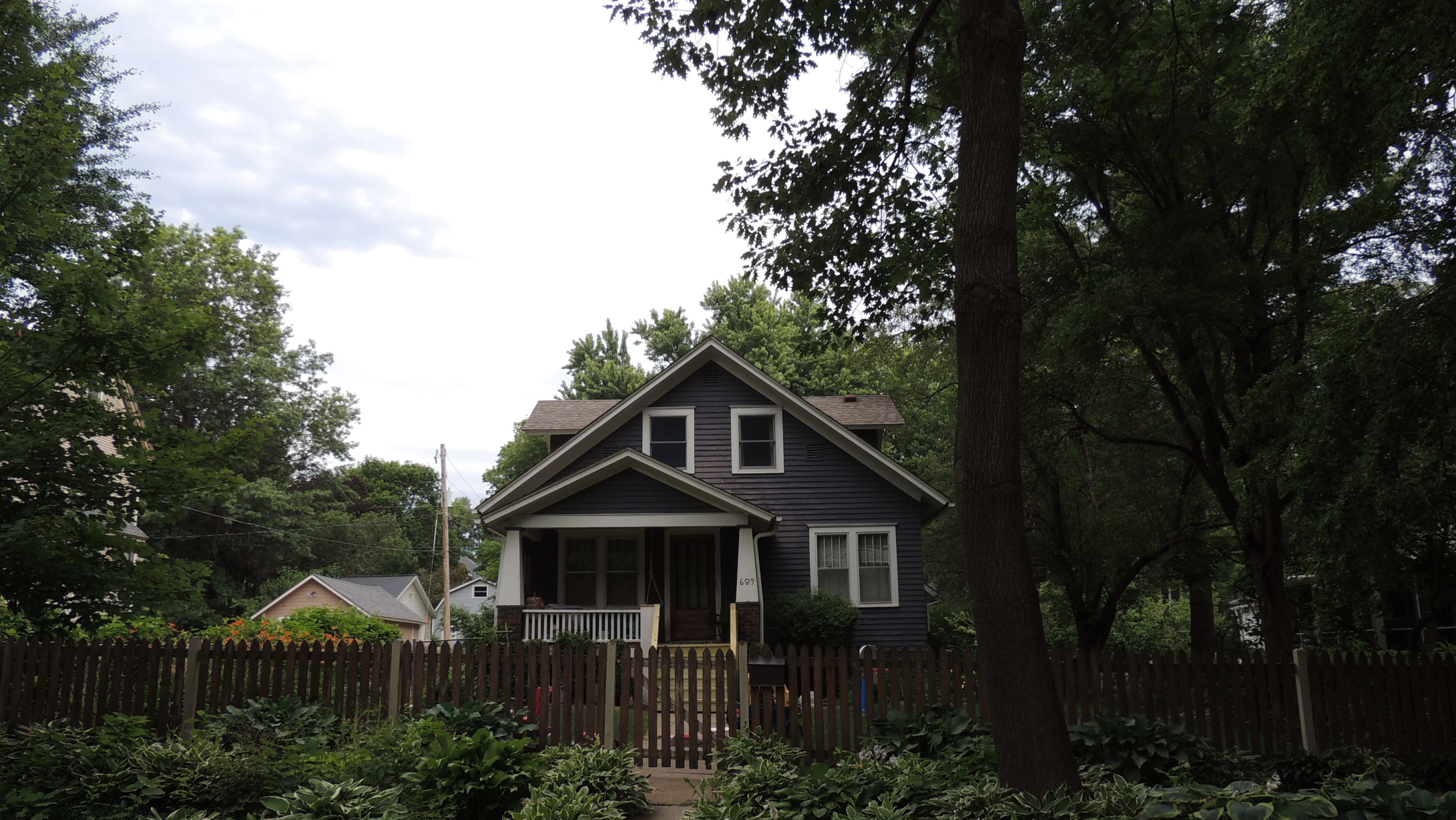 Photo of house at 609 6th Street NW