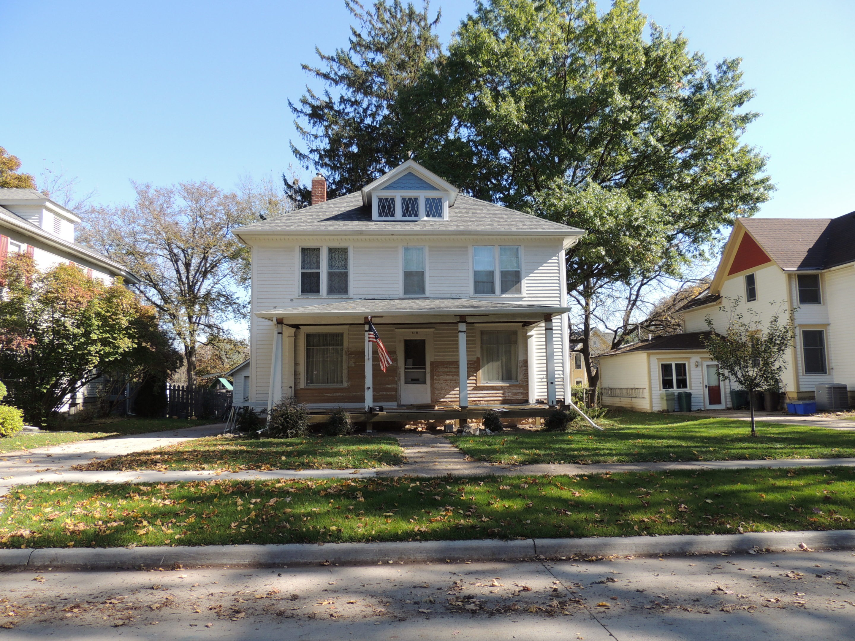 Photo of house at 610 5th Avenue NW