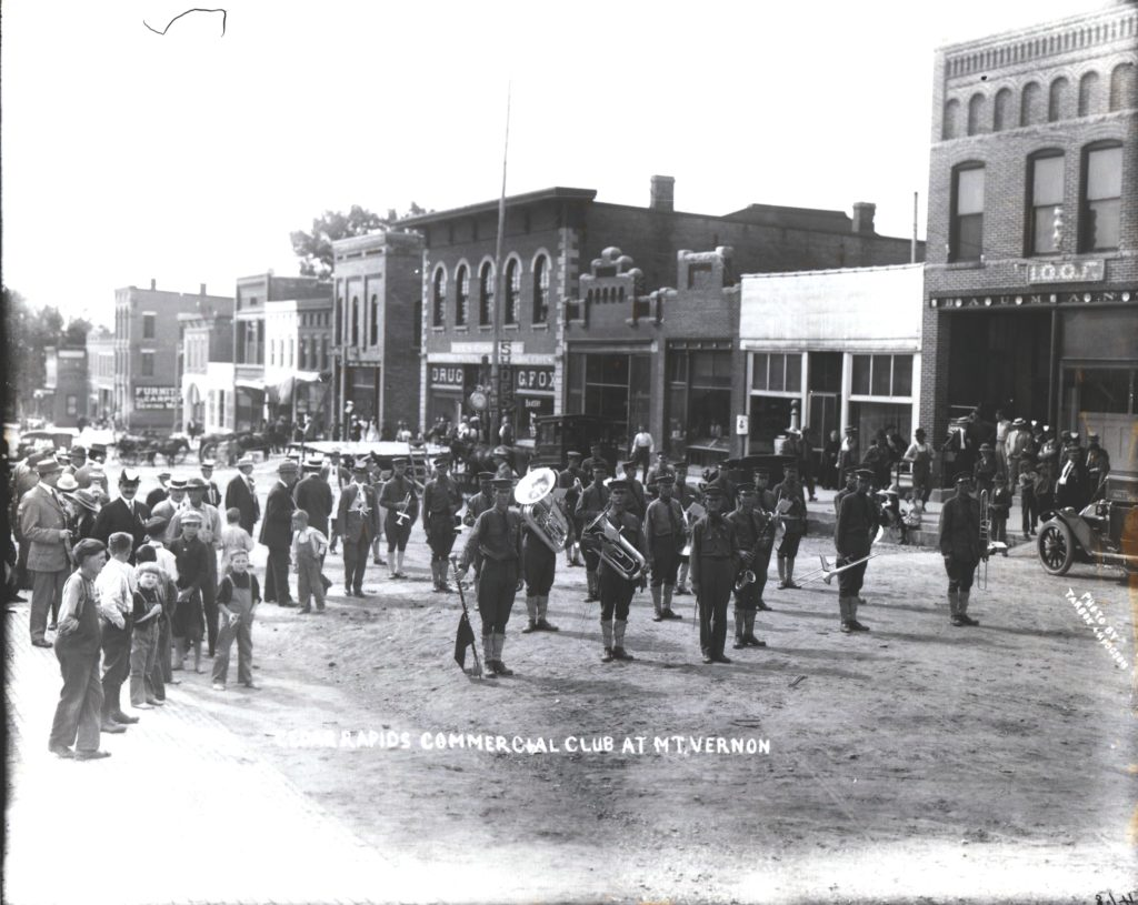 photo of Cedar Rapids Commercial Club on Main Street