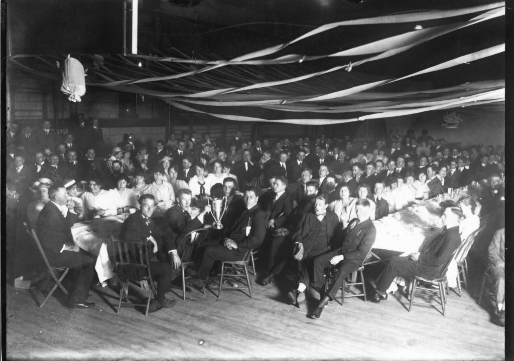 photo of Student Gathering at the Alumni Gym