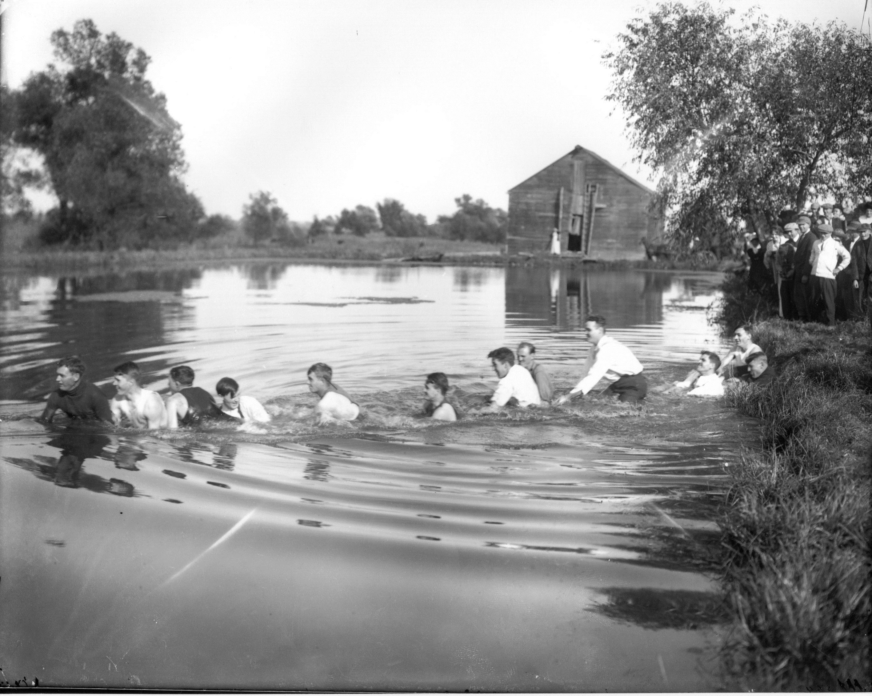photo of Tug of War-1914
