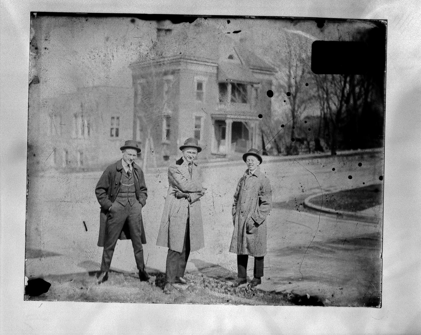 photo of Unidentified Men-1910