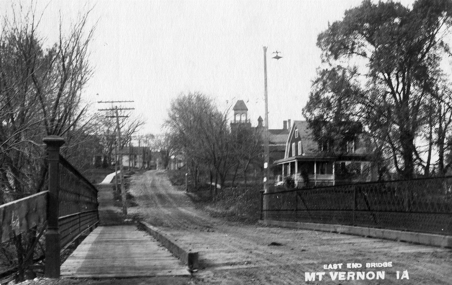 photo of Connecting Mount Vernon and Lisbon-1910
