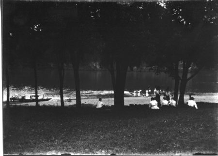 photo of Picnic Along the River in Palisades-Kepler State Park
