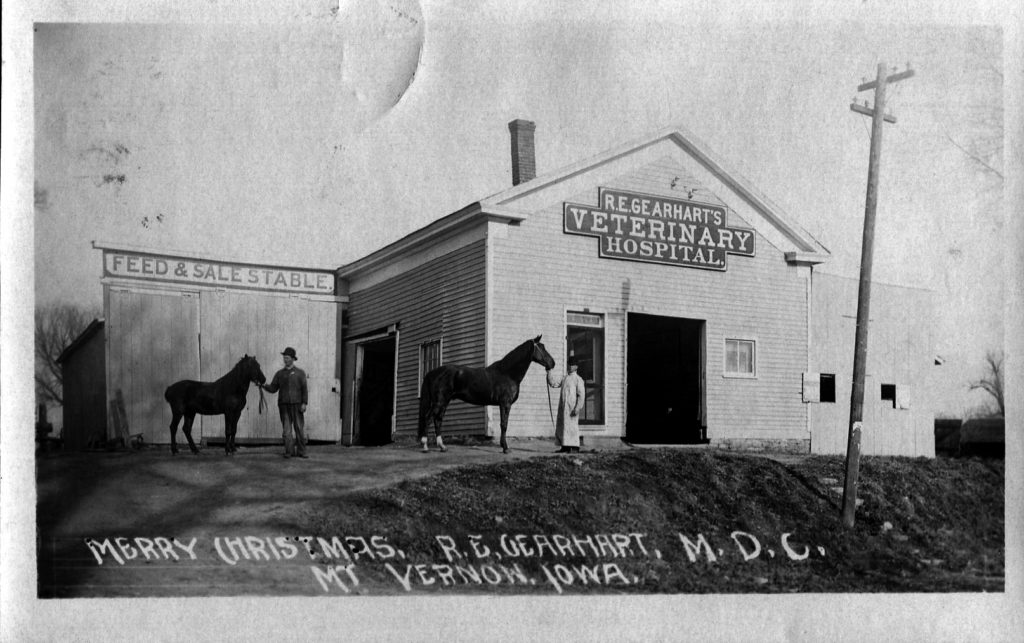 photo of R. E. Gearhart's Veterinary Hospital
