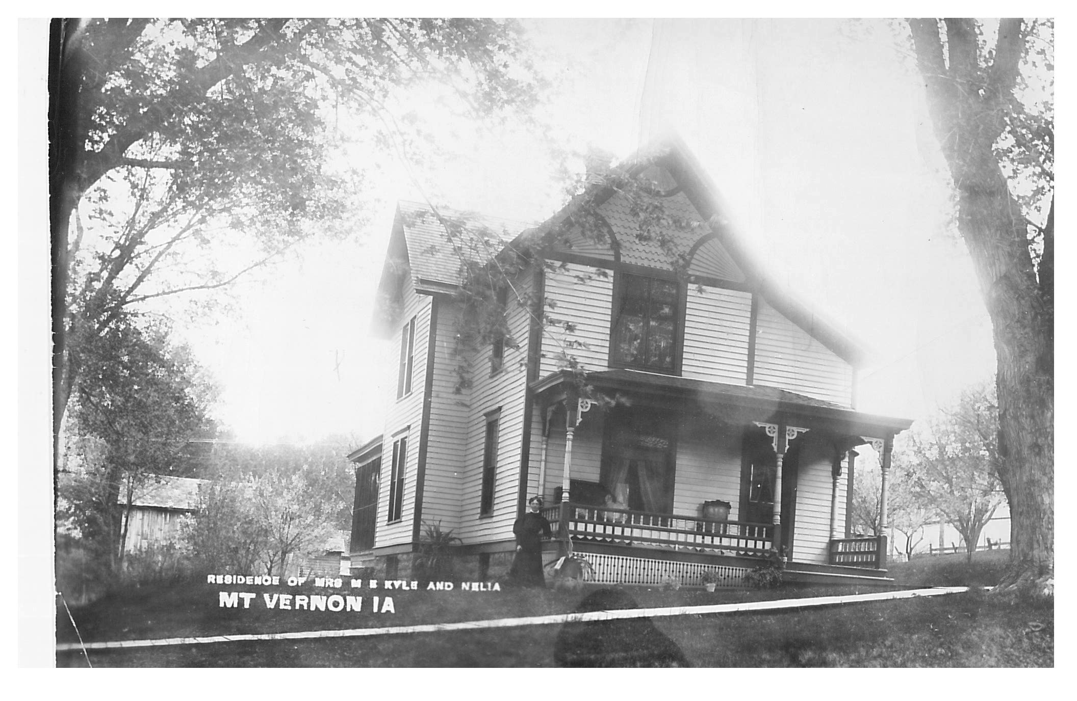 photo of Residence of Mrs. M. E. Kyle and Nelia