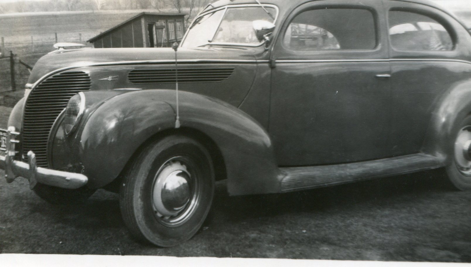 photo of Unidentified Car
