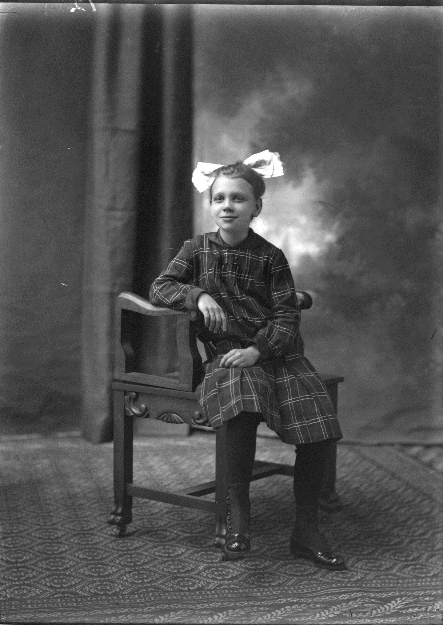 photo of Unidentified Girl-1915