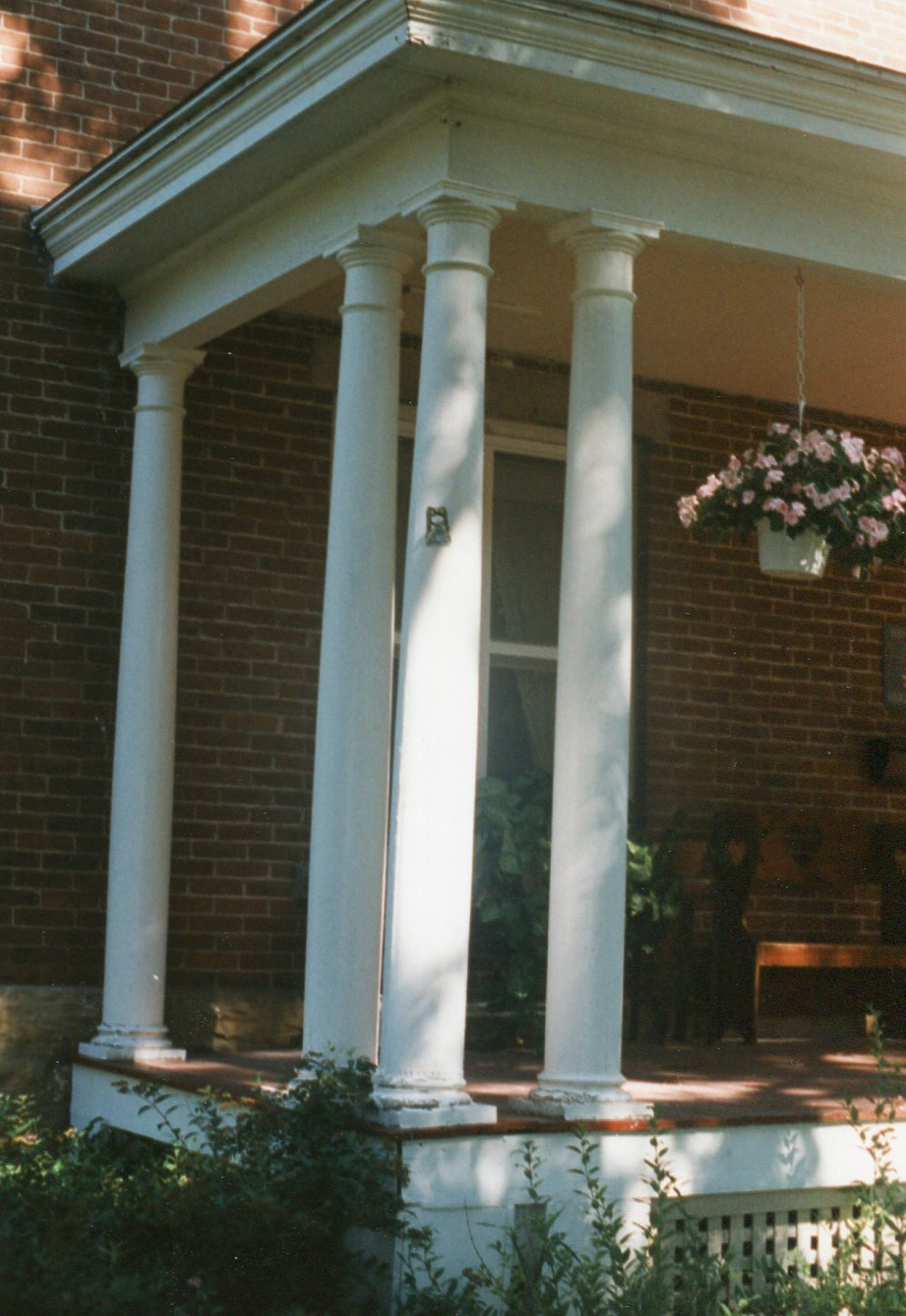 photo of 217 A Avenue SE Porch
