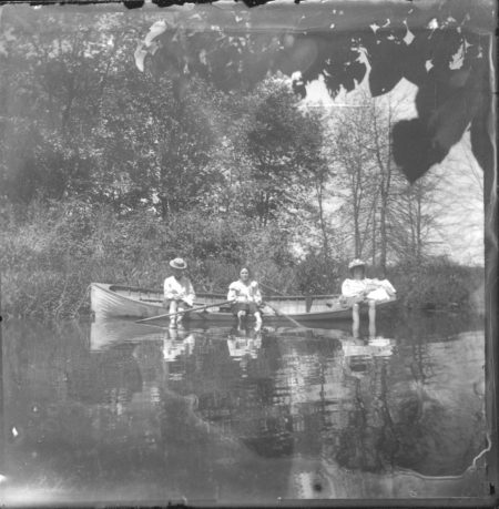 photo of Unidentified Women in a canoe