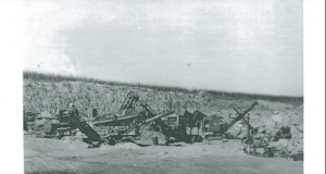 Photo of heavy equipment (cranes, diggers, sifters) used for digging in the quarries