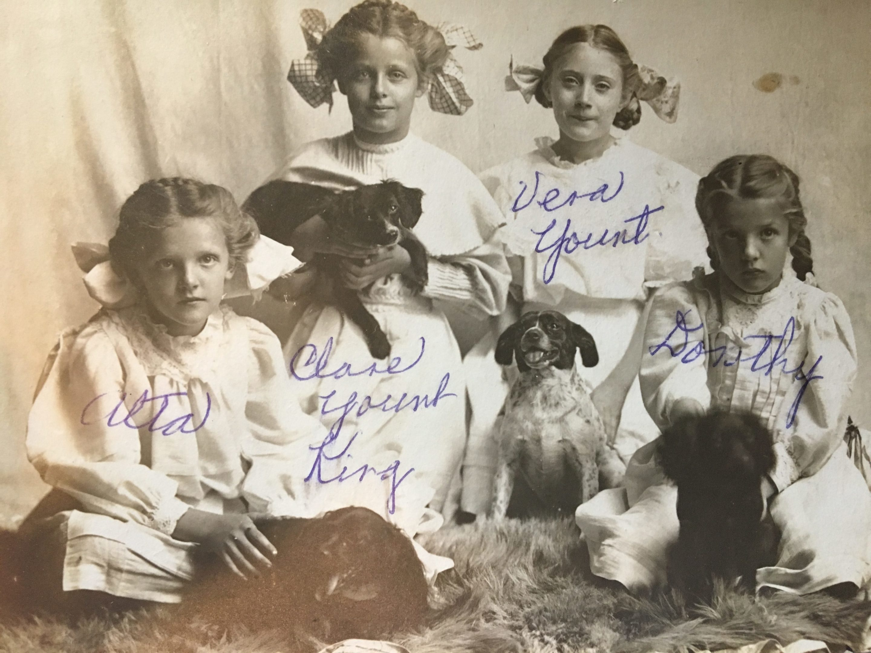 Photo of Alta and Dorothy Neff, Vera and Clare Yount, 1907