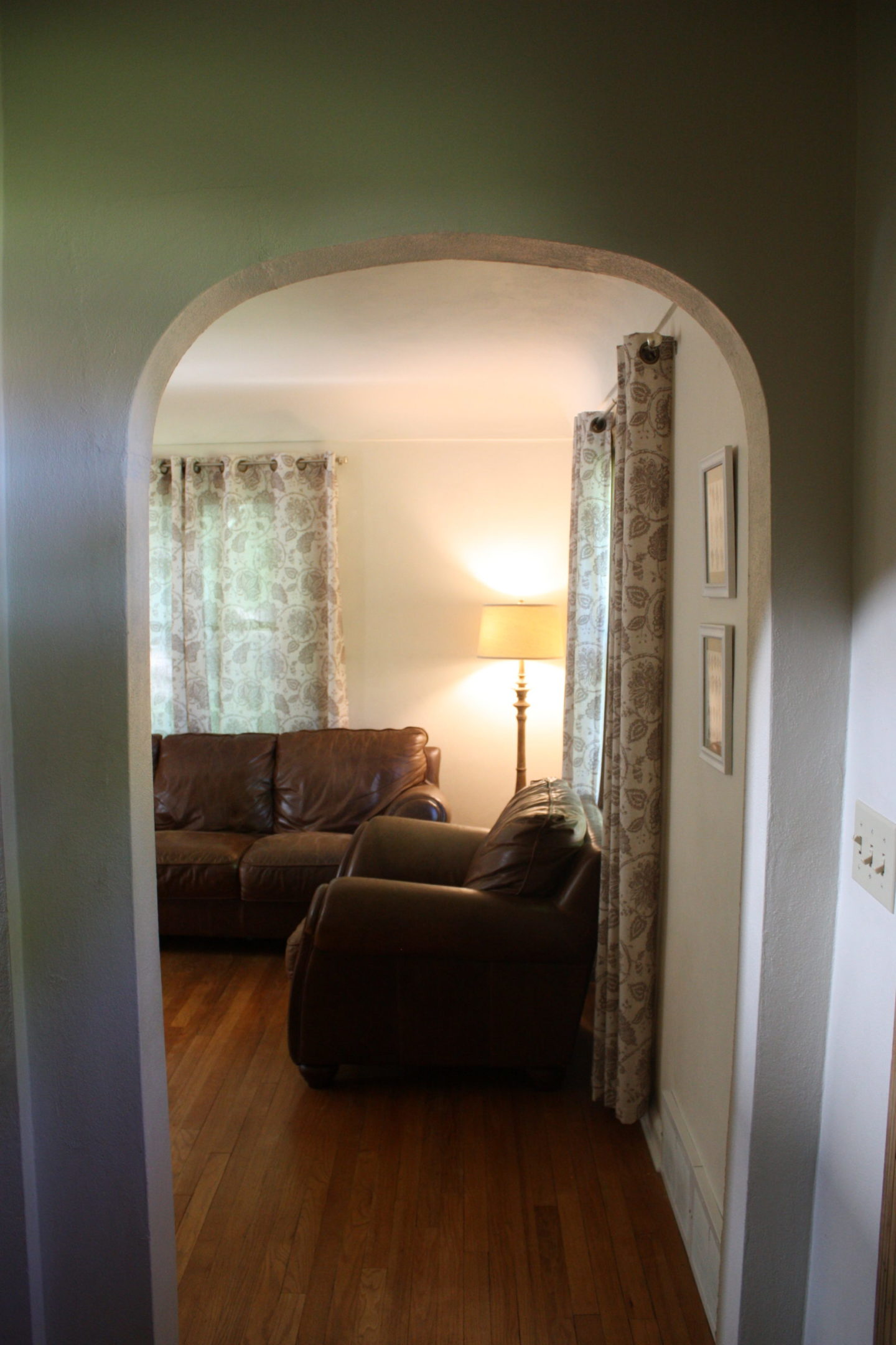 Photo of interior of 606 Eighth Avenue NW