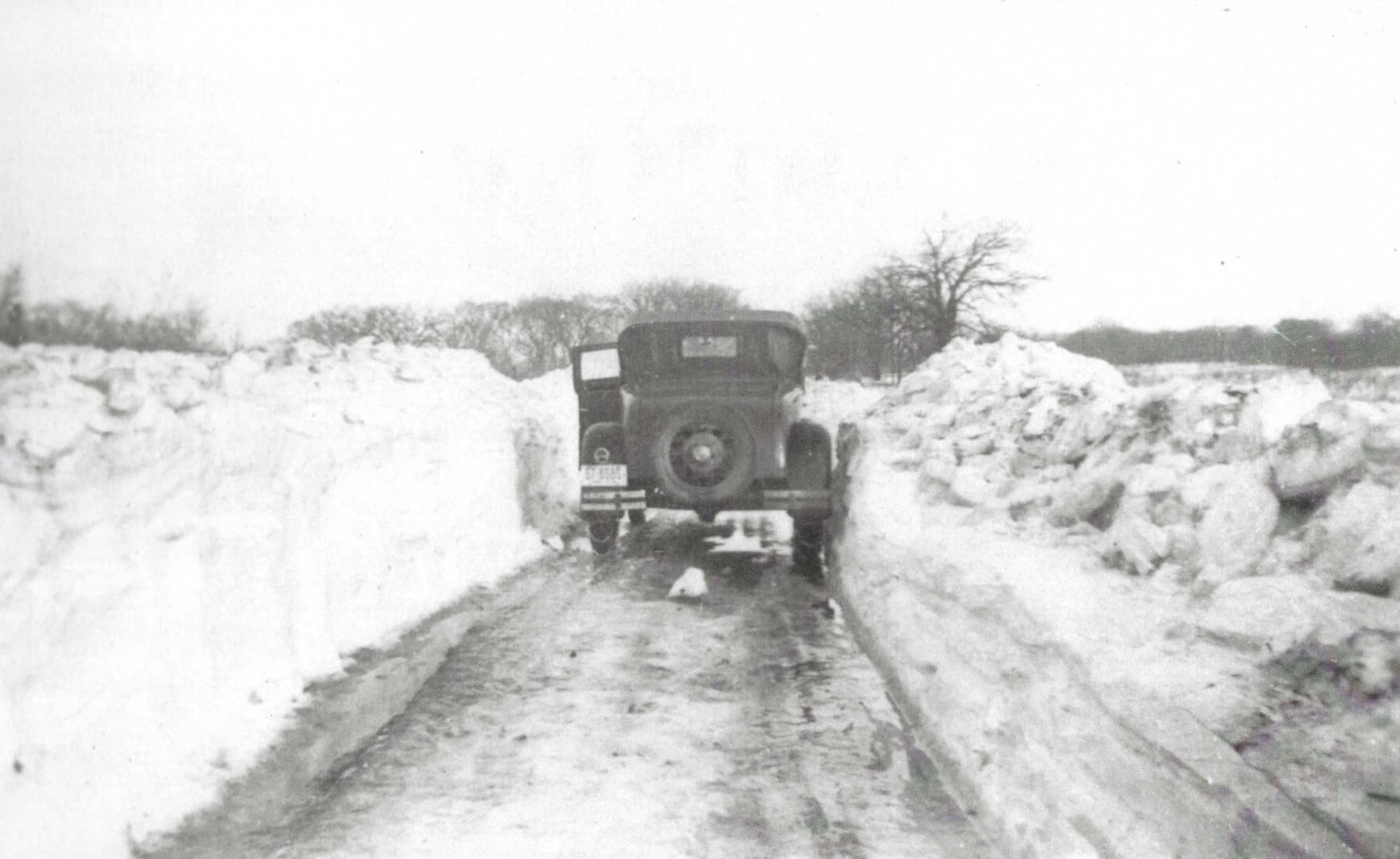 Photo of winter roads in 1936